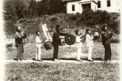 Hosuwan: Begräbnis, Musikanten / Hosuwan, musicians at the funeral
